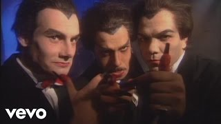 Les Inconnus - Rap-tout (vampires)