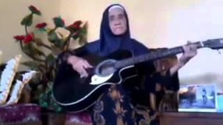 Video Nenek Guitar - Sayang  - Shae Cover download MP3, MP4, WEBM, AVI, FLV April 2018