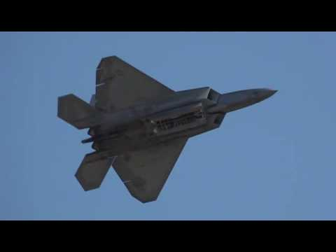 Spirit of St  Louis AIr Show F-22 Demo & P-51 Heritage