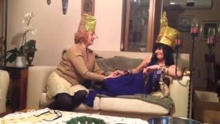 Kleopatra absürt komedi - Kamile ve Nesrin'in absürt videoları.