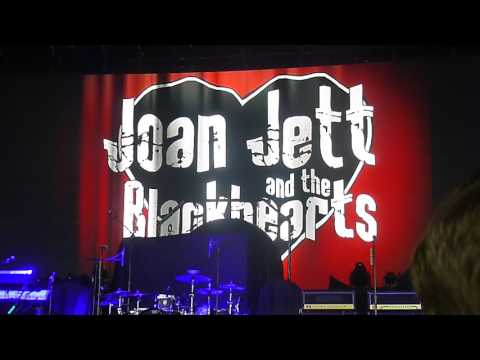 Joan Jett intro music Tribute to Paul O'Neill of Trans-Siberian Orchestra 7-5-2017