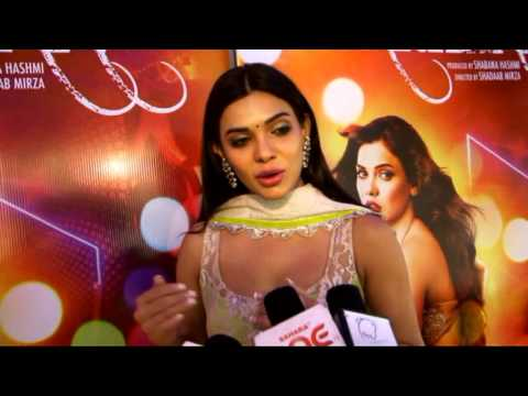 Sara Loren interview at Barkhaa theatrical trailer launch