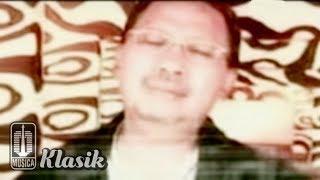 Ebiet G Ade - Rindu Selintas Bayang (Official Karaoke Video)