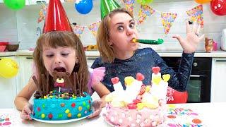 Ева с мамой - истории и день рожденья