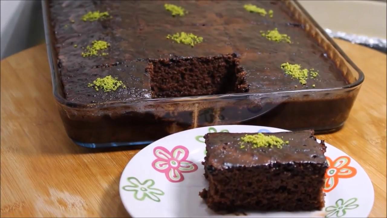 Pastane usulü Bol Soslu Gerçek Islak kek nasıl yapılır