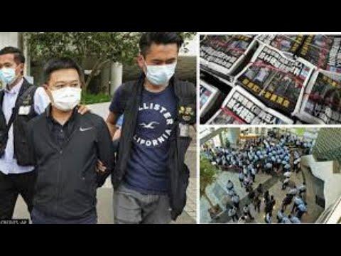 500 Hong Kong officers raid pro-democracy newspaper & arrest 5 execs