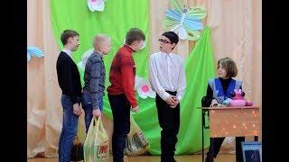 Сценка 'Очередь в супермаркете' (пародия на 'Уральские пельмени')