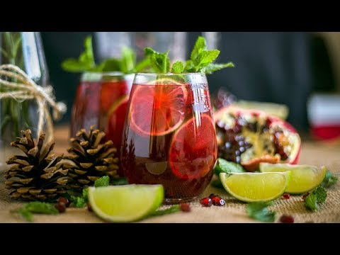 WINTER POMEGRANATE MOJITO COCKTAIL w/ Venezuelan Rum Christmas Drinks Ideas