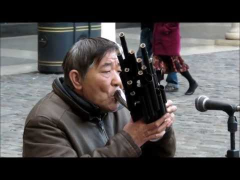"Traditional Chinese Music. ""Sheng"" Wind Music Instrument. London Street Music"