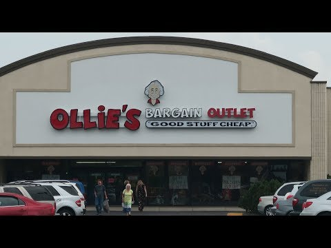 Shopping in Ollie's Bargain Outlet 2017