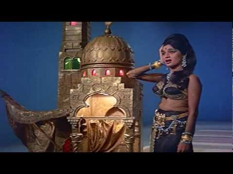 Parayi Hoon Parayi Meri Arzoo Na Kar - Lata - Kanyadaan (1968) - HD