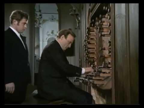 Karl Richter spielt die TOCCATA UND FUGE D MOLL BWV 565 von J S Bach