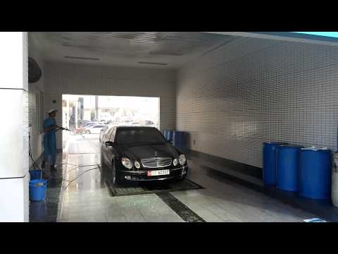 MB E500 W211 car wash at ADNOC