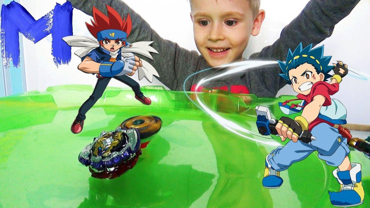 Волчки beyblade - Макс и Папа открывают и играют в игрушки Бейблэйд Берст