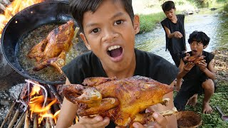 Survival Skills Primitive - Cooking chicken in forest and eating delicious ep0019