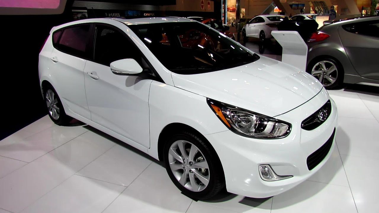 2013 Hyundai Accent GLS   Exterior And Interior Walkaround   2013 Montreal  Auto Show