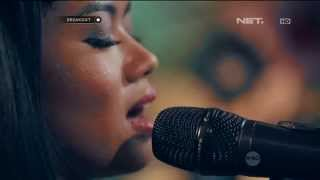 Video Yura Yunita - Berawal Dari Tatap download MP3, 3GP, MP4, WEBM, AVI, FLV Oktober 2018