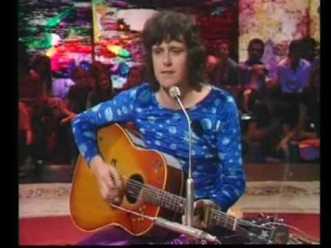 Donovan in Concert - Happiness Runs