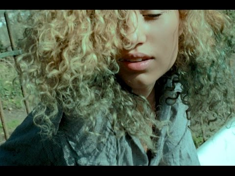 Raye - Alien (ft. Avelino)