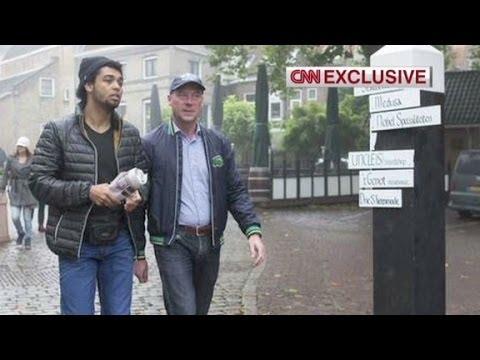 Father tracks down Jihadist son in Syria
