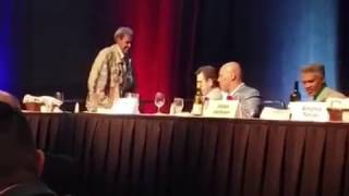 MIKE TYSON SNAPS ON DON KING AT A BOXING HALL OF FAME EVENT AND THROWS WATER ON HIM!