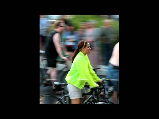 2013 07 27 World Naked Bike Ride in Saint Louis