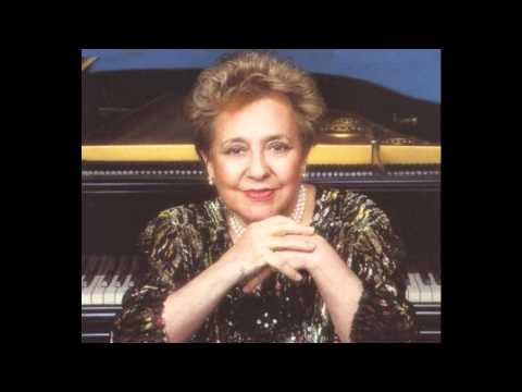 Alicia de Larrocha plays Ravel - Sonatine