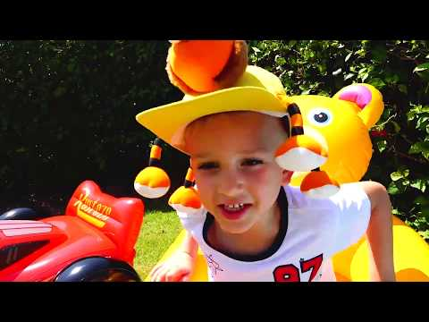 Little Nikita rides and plays at the zoo Video for kids