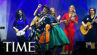 Singer-songwriter Jason Mraz sat down with TIME to talk music and a...