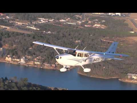 Lead A+P Mechanic Leo Moroni— Flying Magazine