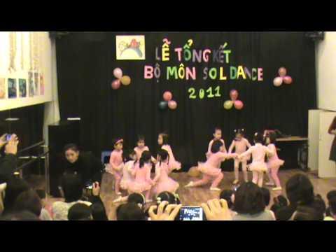 """Sol Art, lớp múa 4-5 tuổi với bài """"Đàn gà trong sân"""""""