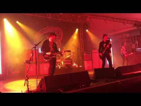 Sidewinder- Catfish and the Bottlemen- Emo's Austin TX from YouTube · High Definition · Duration:  3 minutes 24 seconds  · 119 views · uploaded on 9/29/2015 · uploaded by Claire Culbertson