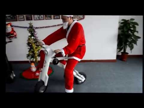 What an amazing vehicle!Unique Christmas Gifts,Santa Claus ET Scooter