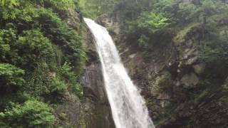 Природа Грузии Nature of Georgia(Во время тура по Кахетии туристам даёться прекрасная возможность поситить этот водопад During a tour of Kakheti..., 2016-06-04T11:48:47.000Z)