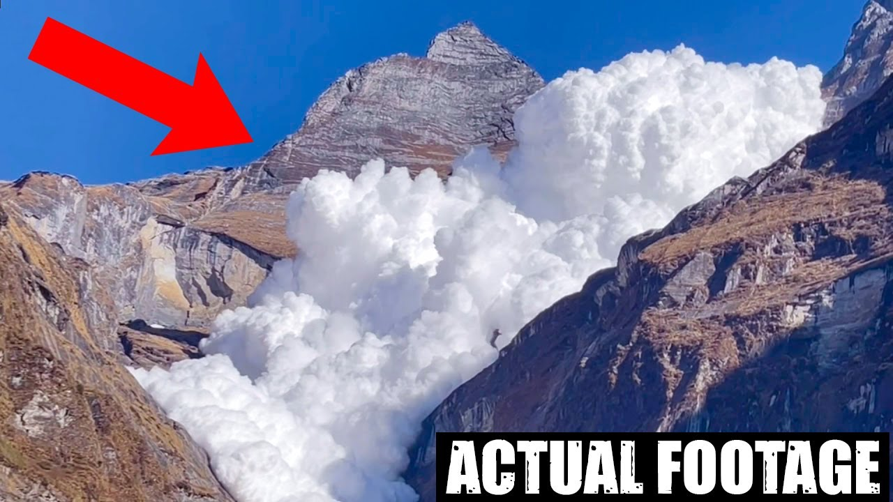 RAW FOOTAGE - The Everest Basecamp Avalanche 2015   Kuntal Joisher -Earthquake   TRS Clips हिंदी 163