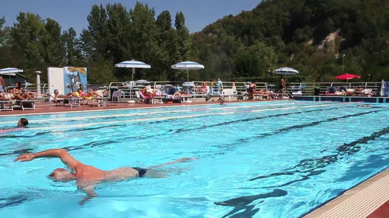 Spot piscina monterenzio beach bagno 268 youtube - San marcellino piscina ...