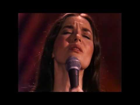 Crystal Gayle - Don't it Make my Brown Eyes Blue - Live [Restored]