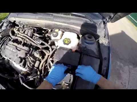 Chevrolet Cruze. Часть 3.  Готовим двигатель к мойке.  Скучное снятие пары элементов.