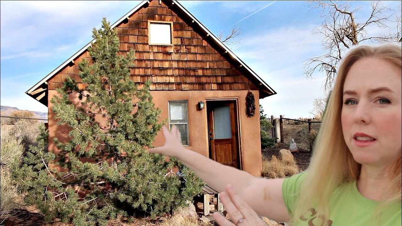 How To Make 4260 A Month With A Tiny House Airbnb Youtube