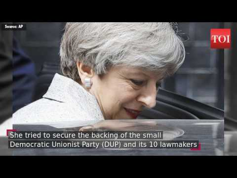 PM May\'s strikes deal to get Northern Irish support for minority government