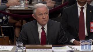 Wyden tells Sessions Comey letter doesn't pass the smell test | Sessions testifies