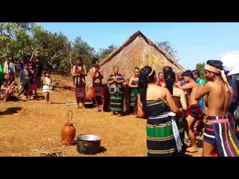Asian Travel - Tribal Dancing In Mondulkiri - Youtube 04