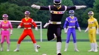 弟の真二に、最近サッカーの練習に付き合ってくれないと言われた耕一郎...