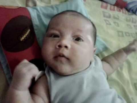 Bebe de 1 mes de nacido santi youtube - Bebe de 10 meses ...