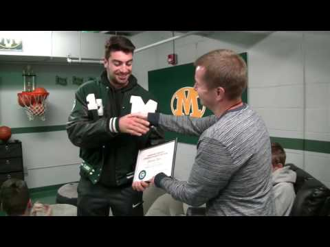 Medina RB Jimmy Daw receives the cleveland.com Offensive POY Award 2016