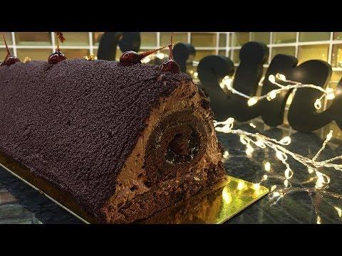 bûche-pyramide-au-chocolat-insert-roulé-fourrée-aux-fraises-😋😋😊