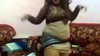 احلي رقص منزلي لمزه مصرية في البيت رقص ساخن +18