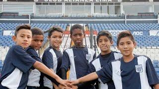 Categoría 2005 de Alianza Lima rumbo a Buenos Aires - Argentina