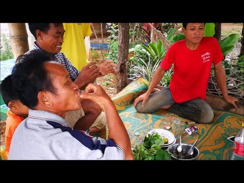 Laos tradational catch fish with cook Local laos food ( Khammouane Province )