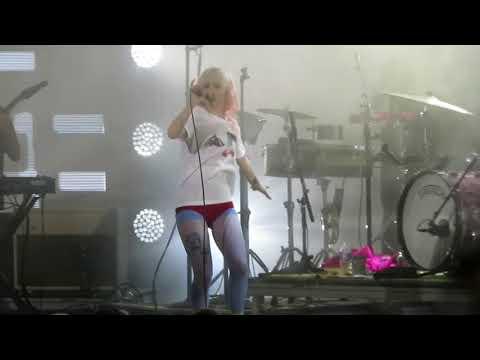 Paramore - Idle Worship/No Friend (live)